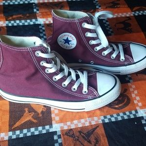 BRAND NEW WORN ONCE CONVERSE!!